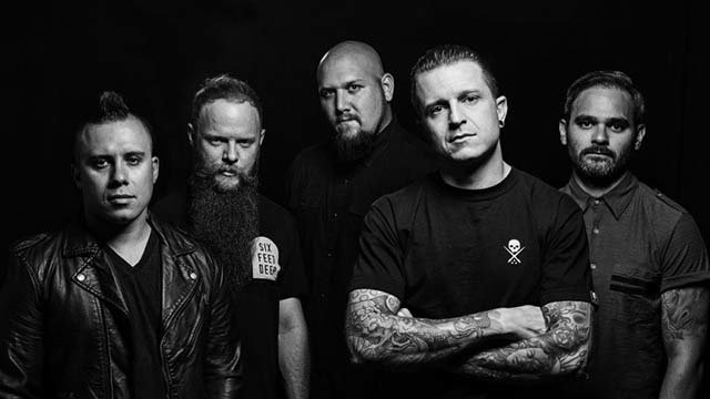 atreyu-publie-un-clip-video-pour-sa-chanson-house-of-gold