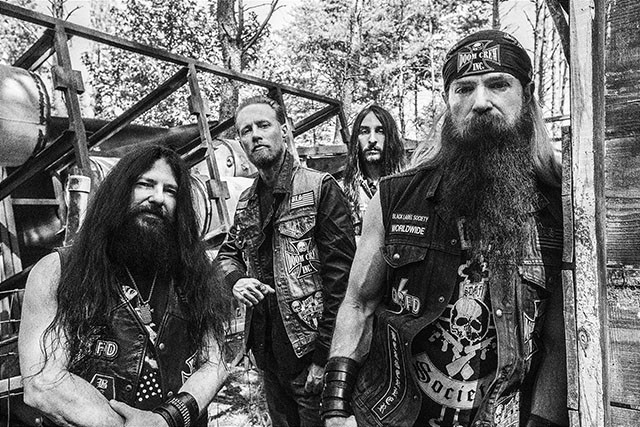 black-label-society-sort-un-clip-video-pour-sa-chanson-spoke-in-the-wheel