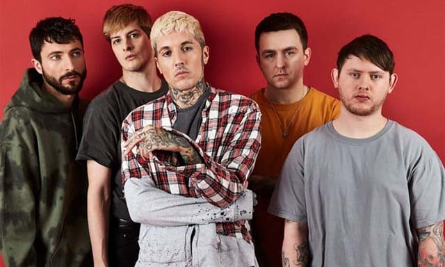 Bring Me The Horizon joue en live avec Dani Filth de Cradle Of Filth & Sam Carter d'Architects