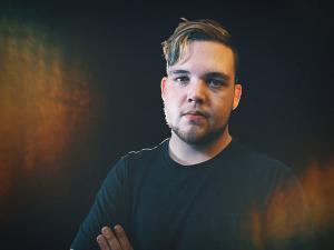 Drewsif publie un clip pour sa chanson Outcome