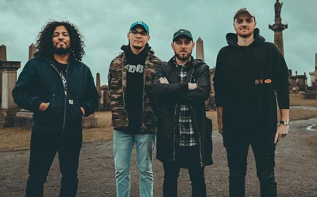 Issues sortira un single (Drink About It) et annoncera son nouvel album lundi prochain