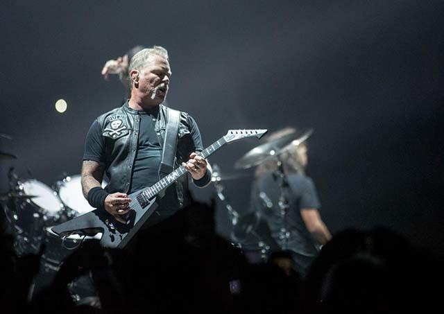 Vidéo de Metallica jouant St. Anger à Varsovie