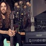 nick-johnston-annonce-son-nouvel-album-wide-eyes-in-the-dark