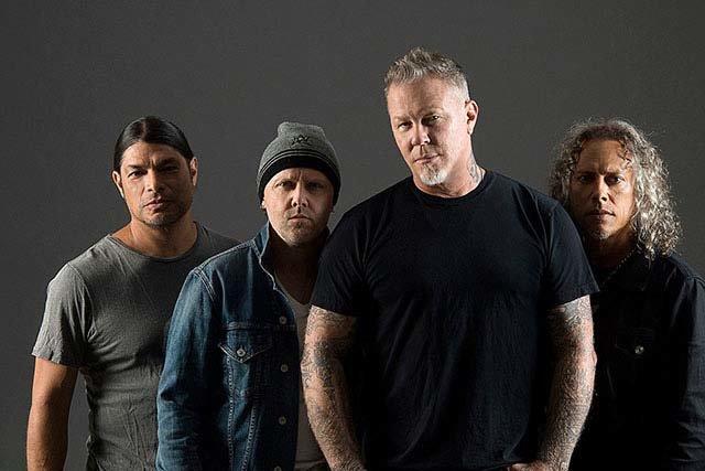 Nouvelle vidéo live de Metallica pour la chanson Moth Into Flame