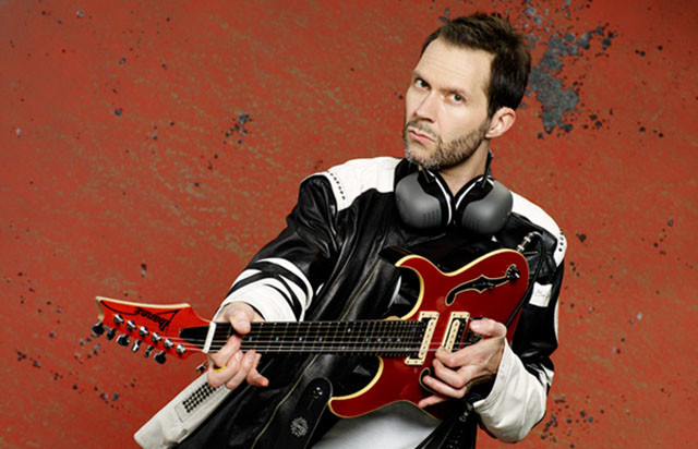 paul-gilbert-annonce-son-nouvel-album-solo-intitule-behold-electric-guitar