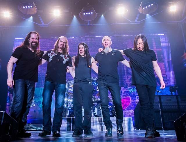 Vidéos de Dream Theater en live à Pratteln (Suisse)