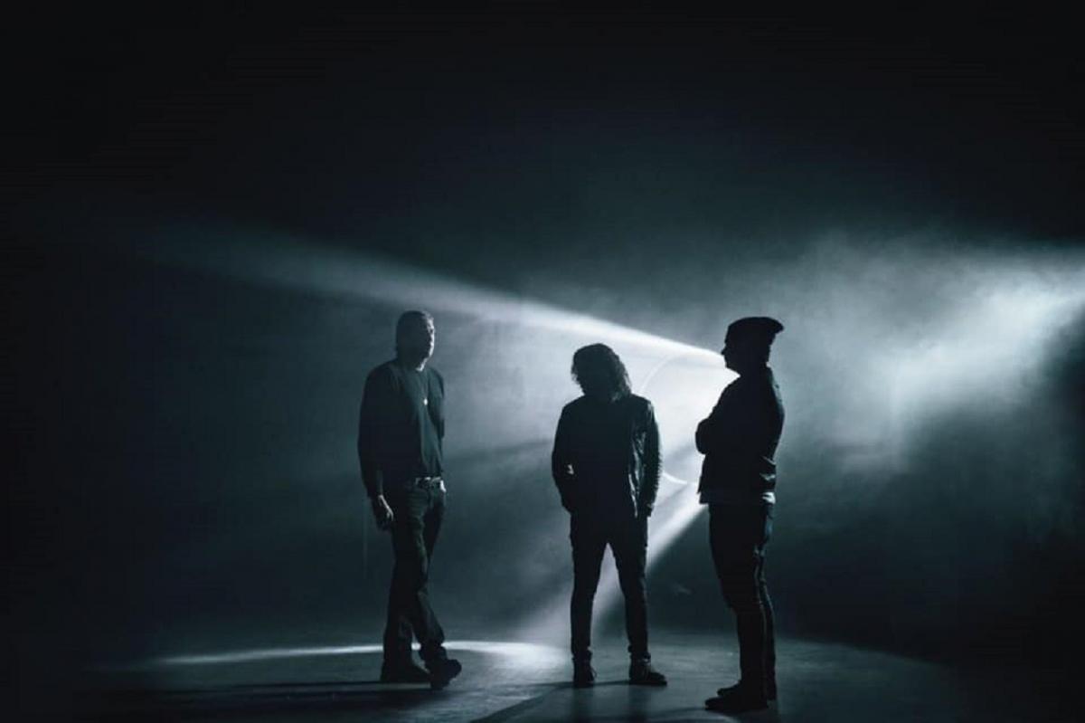 Angels & Airwaves sort une nouvelle chanson nommée Kiss & Tell