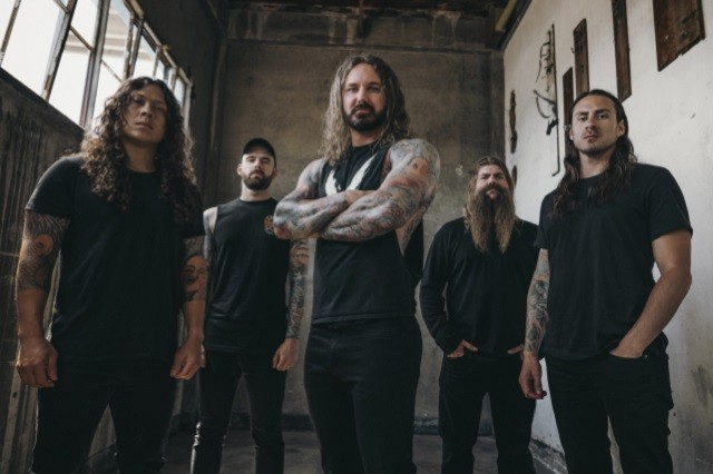 As I Lay Dying parle de Shaped By Fire dans une nouvelle vidéo Making Of