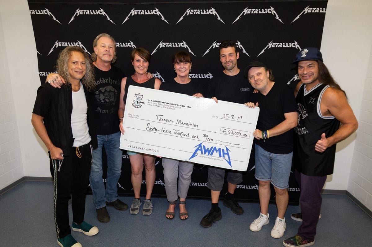 Metallica termine sa tournée européenne en faisant un don de 63 000 euros pour venir en aide aux jeunes sans-abris