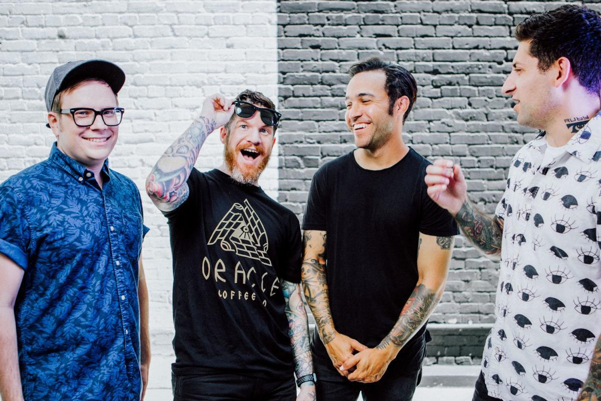 Fall Out Boy va sortir un nouvel album Greatest Hits (nouvelle chanson dans l'article)
