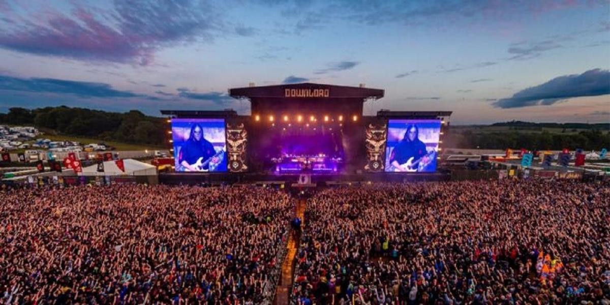 Le Download Festival UK 2020 dévoile les premiers groupes de sa programmation (System Of A Down, Iron Maiden, Kiss)