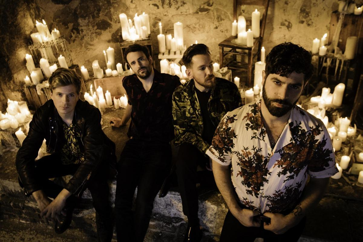 Foals dévoile Into The Surf, le 3ème single de son prochain album