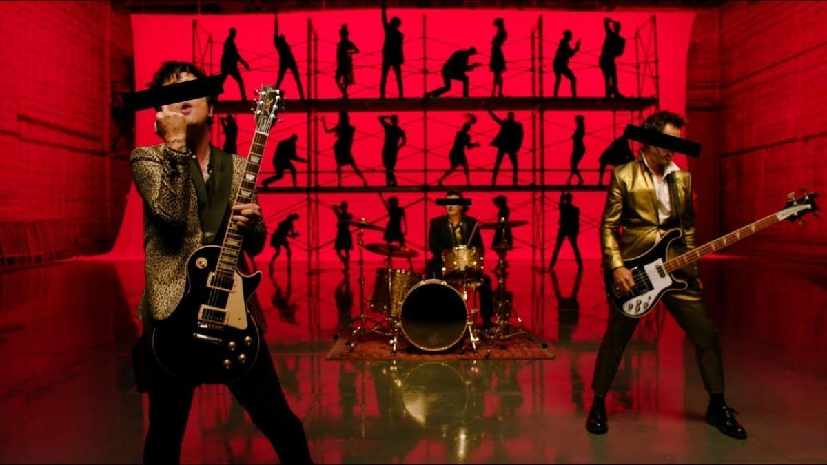 Green Day sort le clip de sa chanson Father Of All...