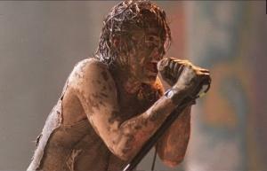 Regardez le concert de Nine Inch Nails à Woodstock en 1994