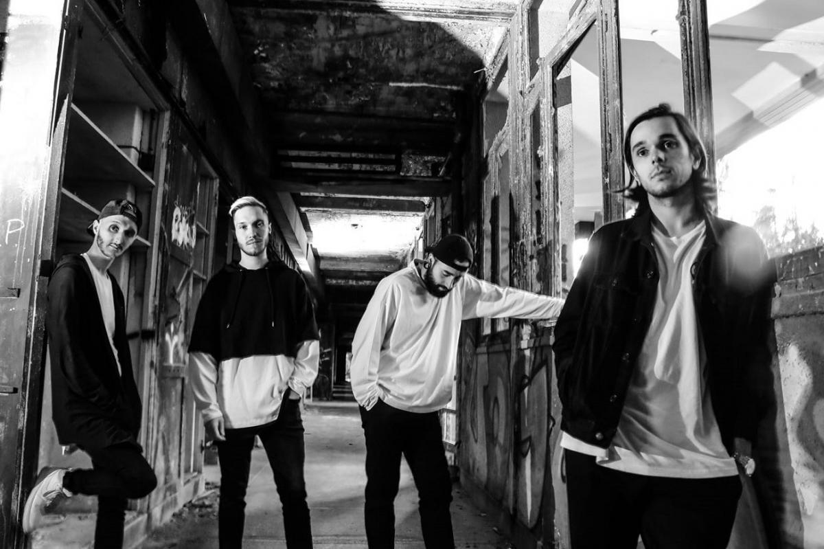 Le groupe de Metal français Novelists FR annonce son nouvel album C'est La Vie & publie le single Head Rush