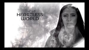 Unleash The Archers partage une lyric vidéo pour Heartless World