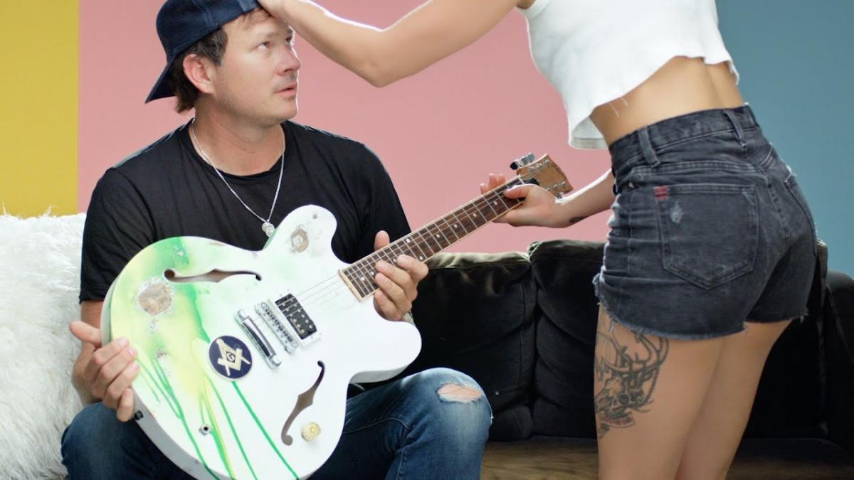 Angels & Airwaves publie un clip vidéo pour sa chanson Kiss & Tell
