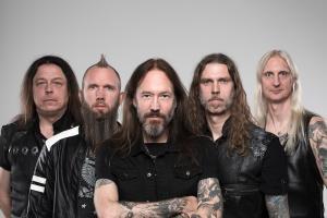 """Le guitariste de HammerFall dit qu'il """"pense que l'individualité est ce qui sépare les groupes suédois du reste du monde"""""""