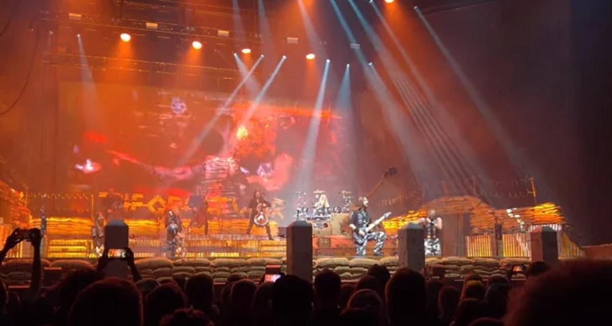 Regardez Sabaton et Apocalyptica jouer ensemble à Helsinki
