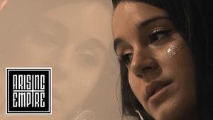 Novelists FR publie la chanson éponyme de son nouvel album C'est La Vie