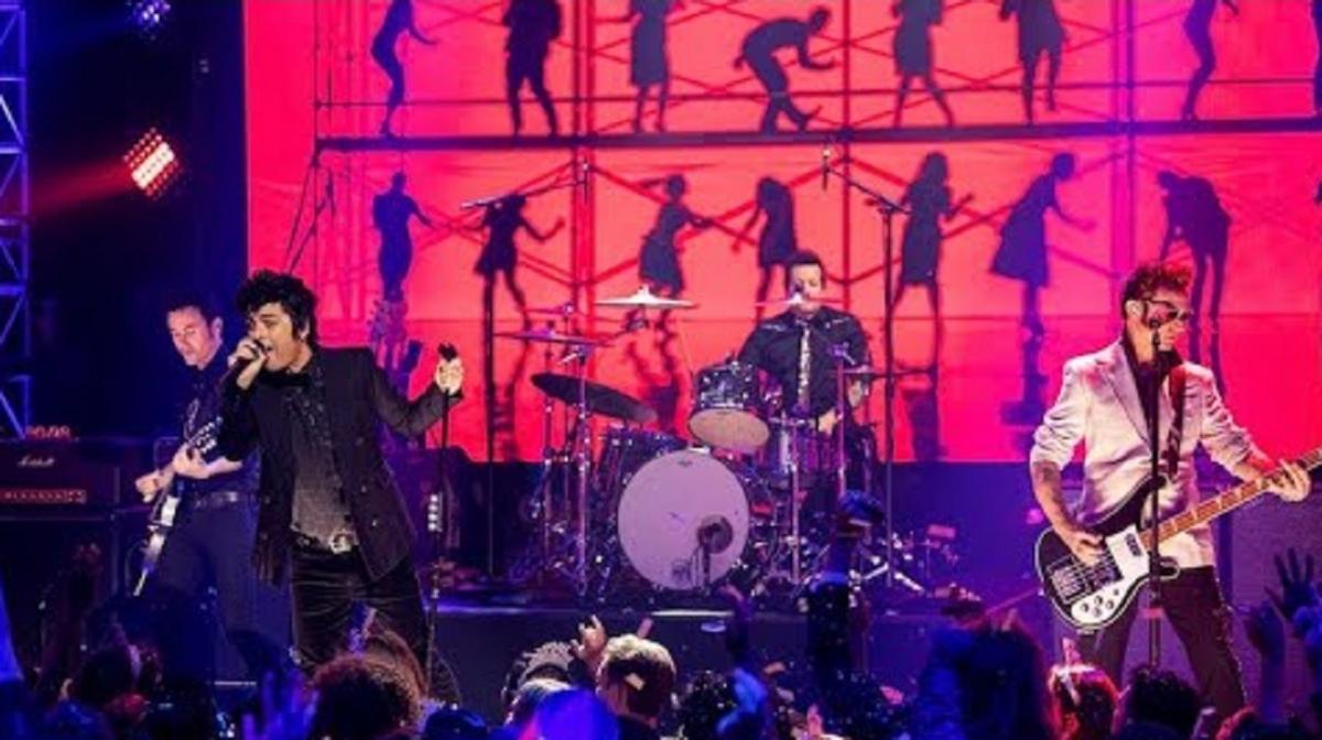 Green Day publie 2 vidéos de sa performance live au NYRE