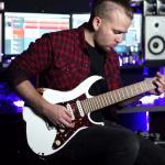Kadinja partage un Guitar Playthrough de The Modern Rage
