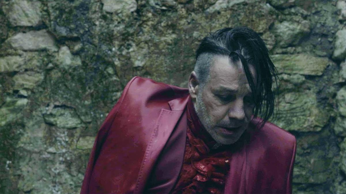 "Lindemann publie la version ""one shot"" du clip vidéo de Ach So Gern"