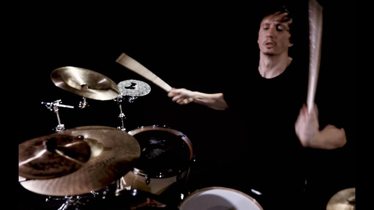 Gojira : Regardez Mario Duplantier jouer un nouveau solo de batterie intitulé Minotaur