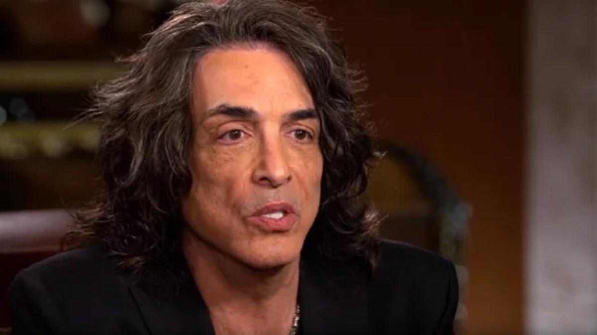 """Paul Stanley de Kiss condamne les chaînes d'information américaines pour avoir créé un """"climat de division et de danger"""""""