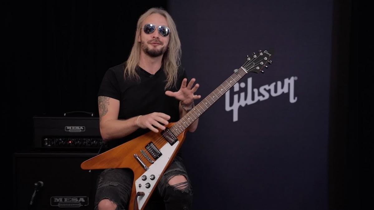 Richie Faulkner de Judas Priest annonce qu'il est devenu père