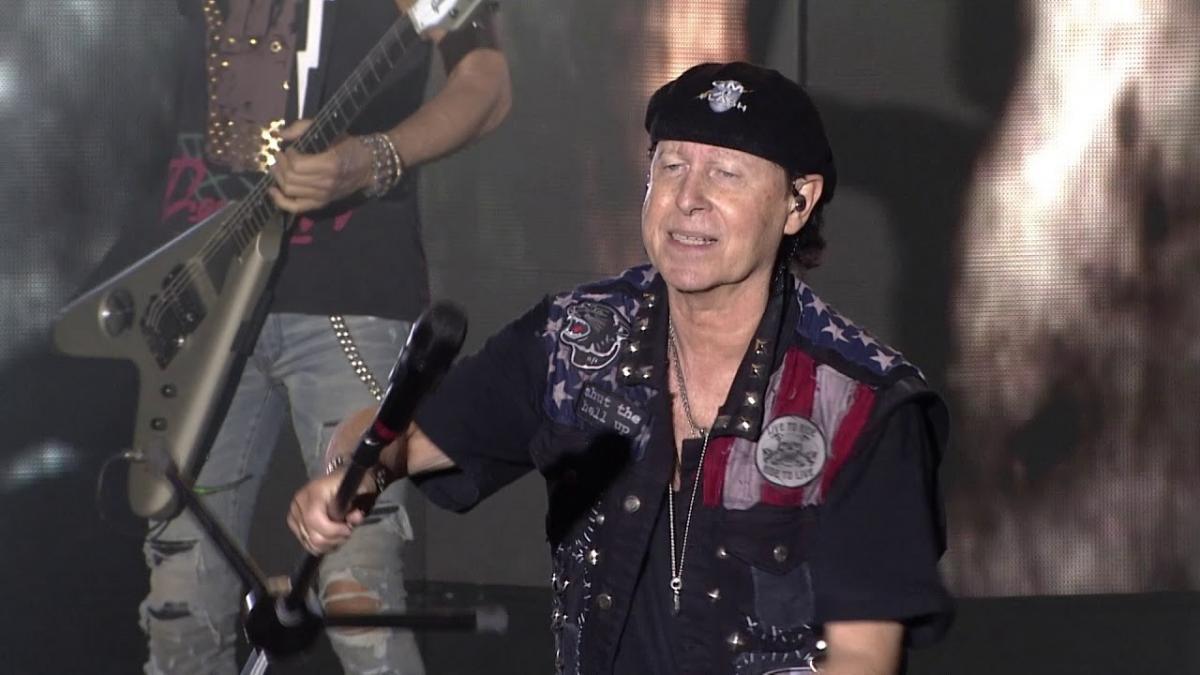 Regardez Scorpions jouer Big City Nights au Bloodstock 2019