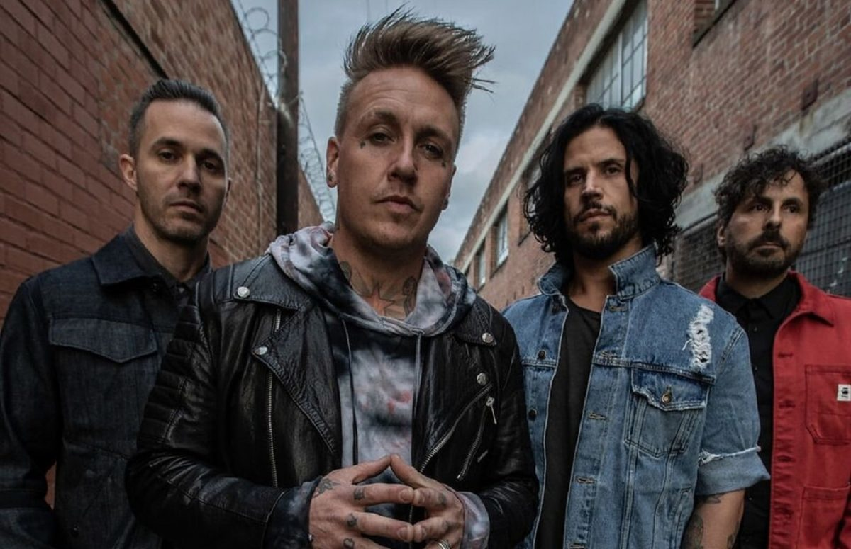 Papa Roach publie la version 2020 de la chanson Tightrope de l'album Infest