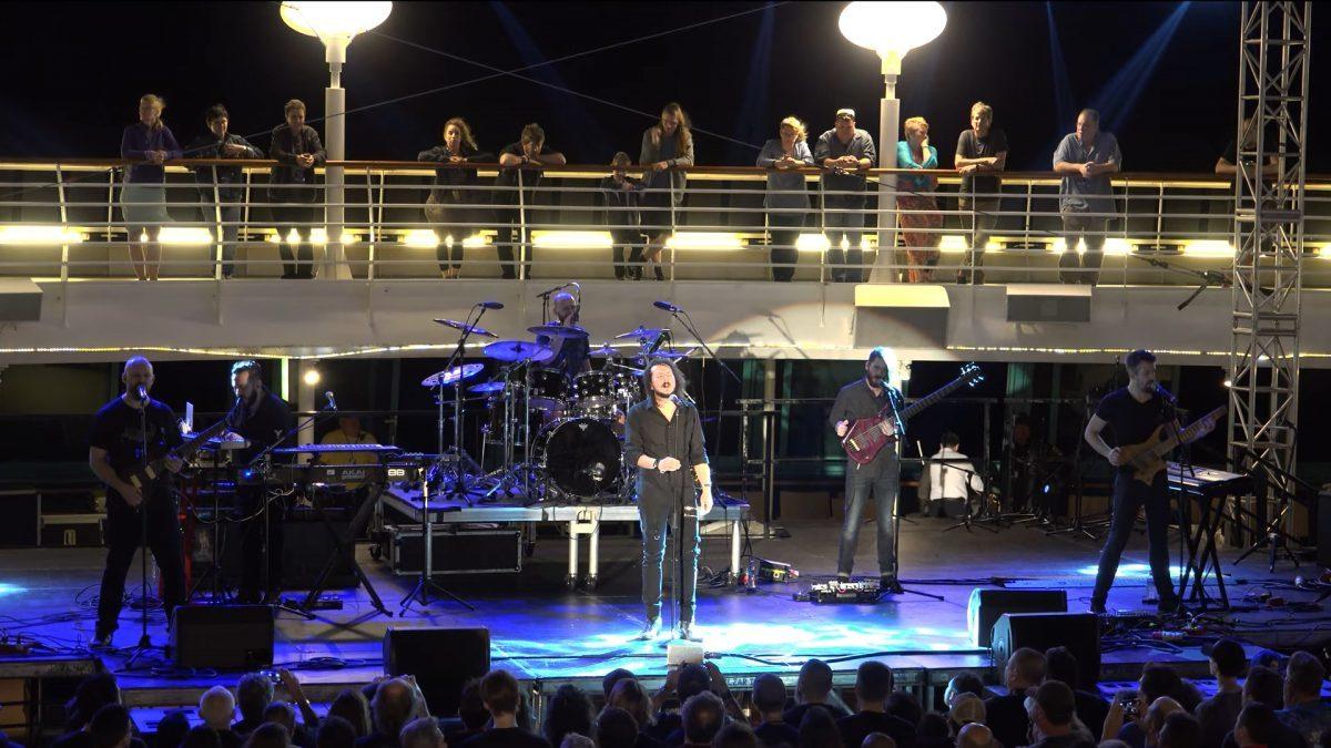 Regardez le concert complet de Haken au Cruise to the Edge 2018