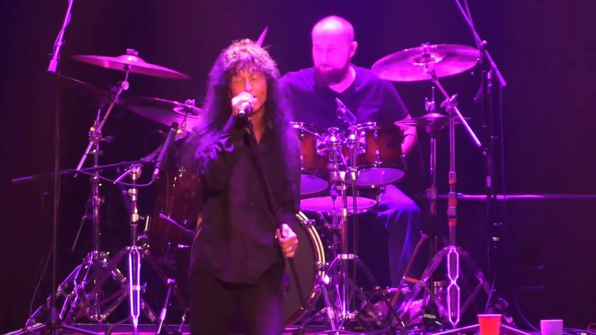 Le nouveau groupe du chanteur de Anthrax joue son premier concert