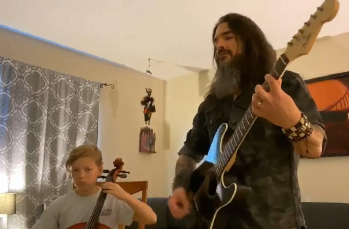 Regardez Robb Flynn de Machine Head jouer un concert acoustique depuis son domicile
