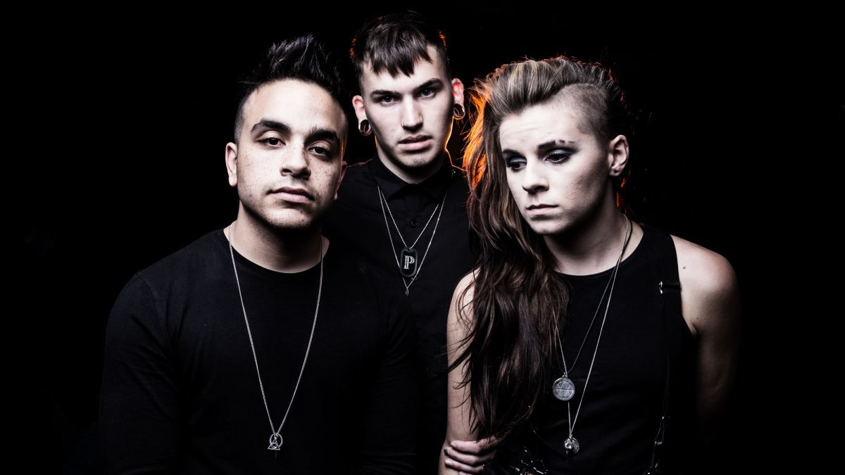 Pvris reporte la sortie son nouvel album, Use Me