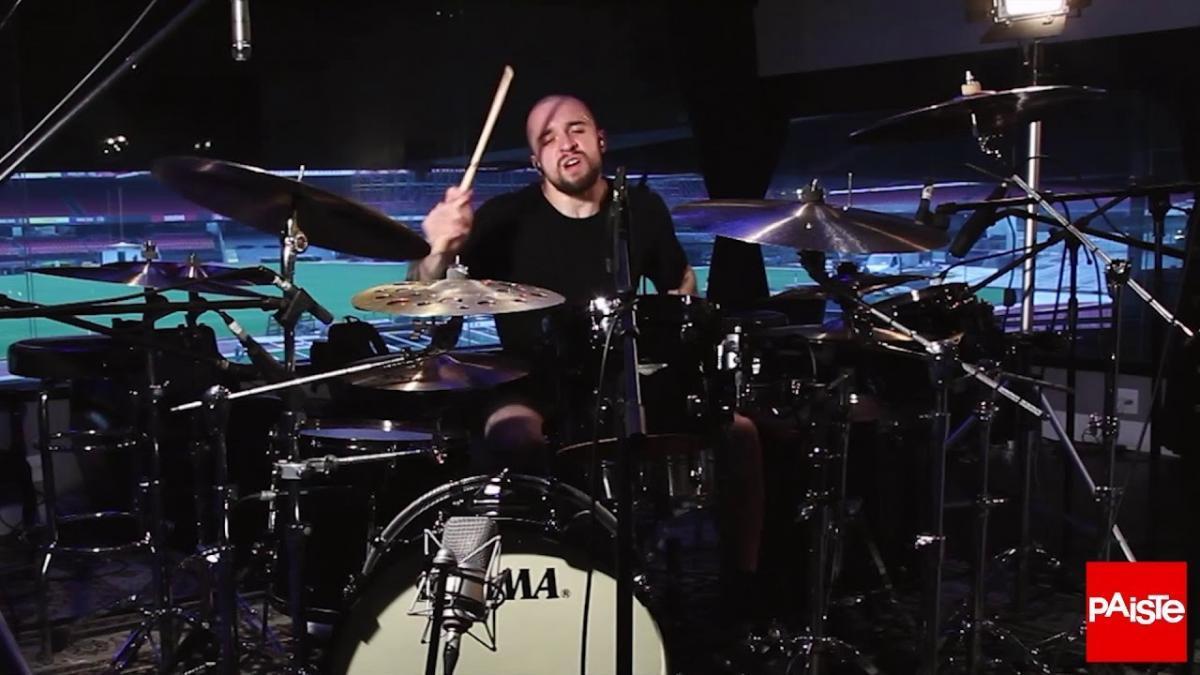 Regardez le batteur de Sepultura jouer Raging Void avec énergie