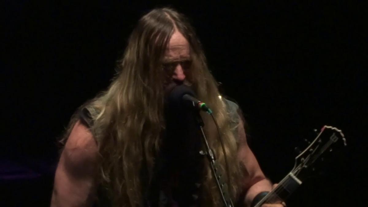 Zakk Wylde a rendu hommage à Randy Rhoads à l'occasion du 38e anniversaire de la mort du guitariste originel d'Ozzy Osbourne