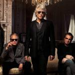 Bon Jovi annule sa tournée pour que ses fans puissent utiliser les remboursements pour leurs factures et leurs achats essentiels