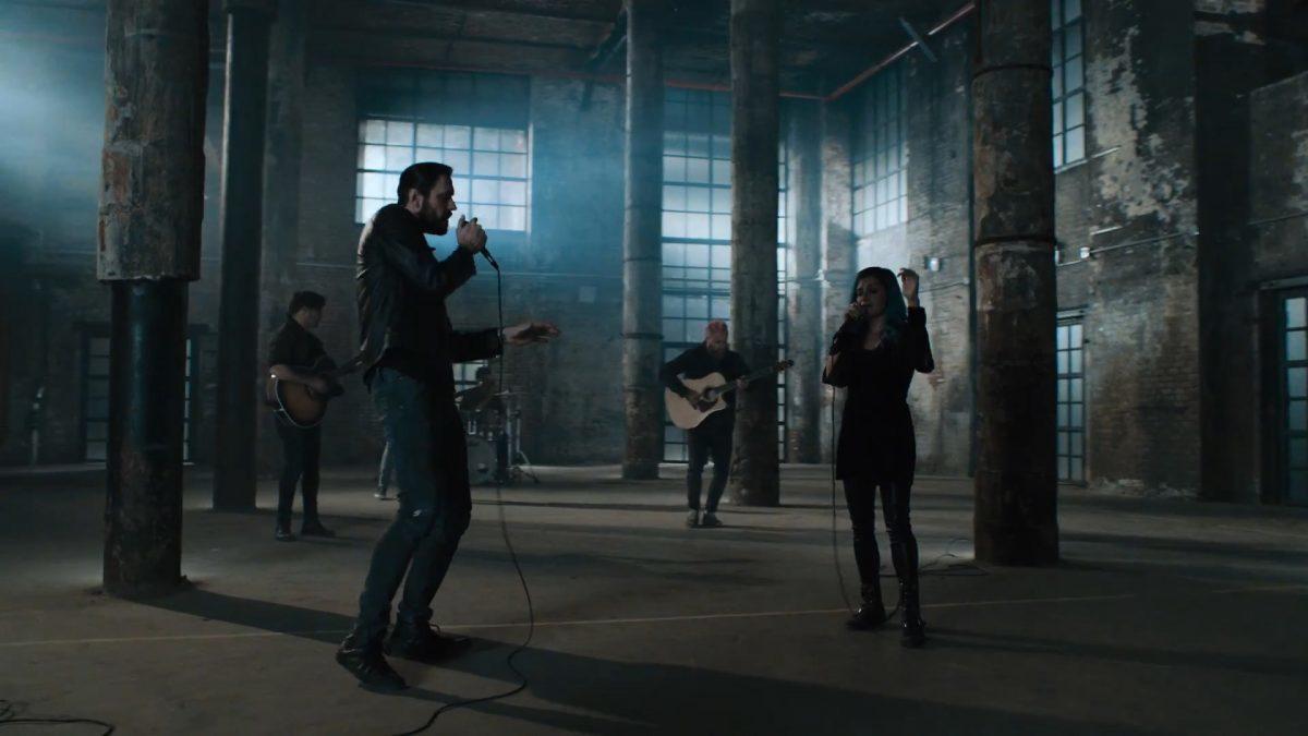 Breaking Benjamin sort un clip vidéo pour Dear Agony en featuring avec Lacey Sturm