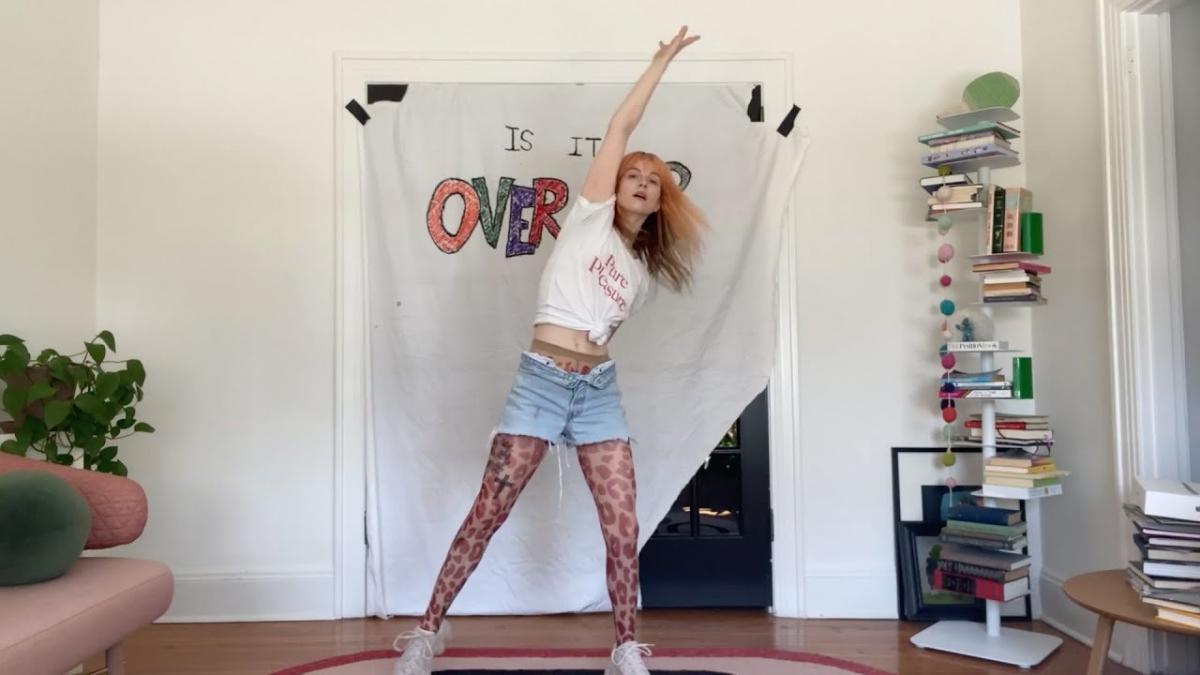 Faites du sport avec Hayley Williams de Paramore