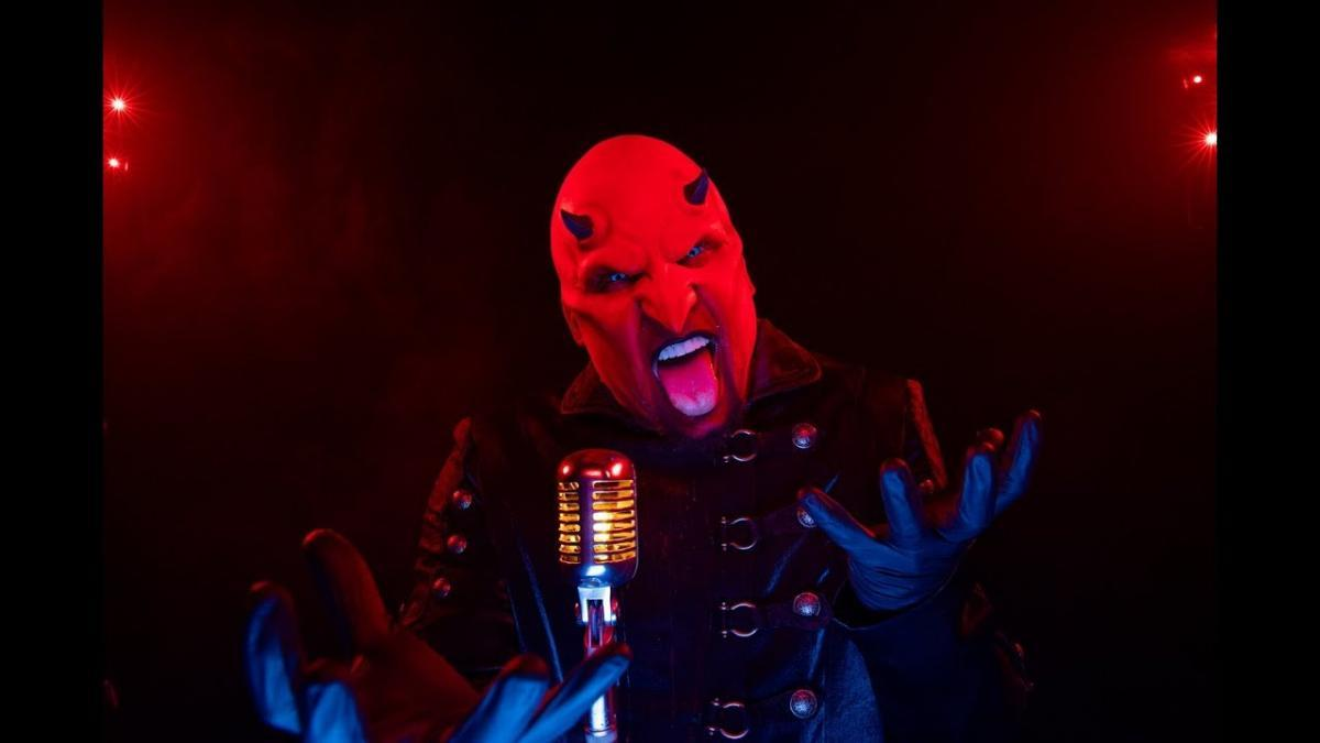 L'ancien batteur de Five Finger Death Punch lance un nouveau groupe : Psychosexual