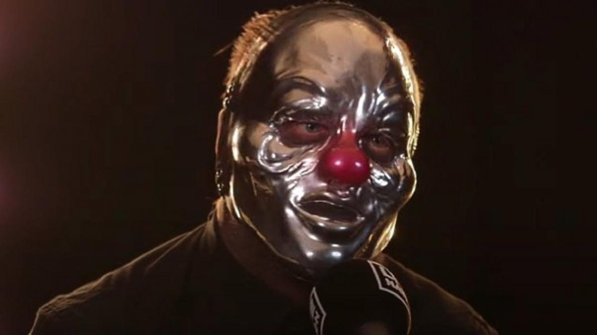"""Shawn """"Clown"""" Crahan de Slipknot rend public sa passion pour les vêtements de marque haut de gamme"""