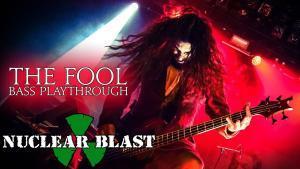 Regardez le bassiste de Fleshgod Apocalypse jouer The Fool