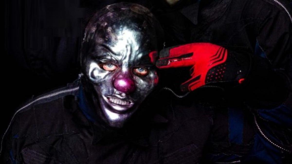 """Shawn """"Clown"""" Crahan de Slipknot dit que le groupe n'abandonnera jamais les masques : """"Je me sentirais dévalorisé"""""""