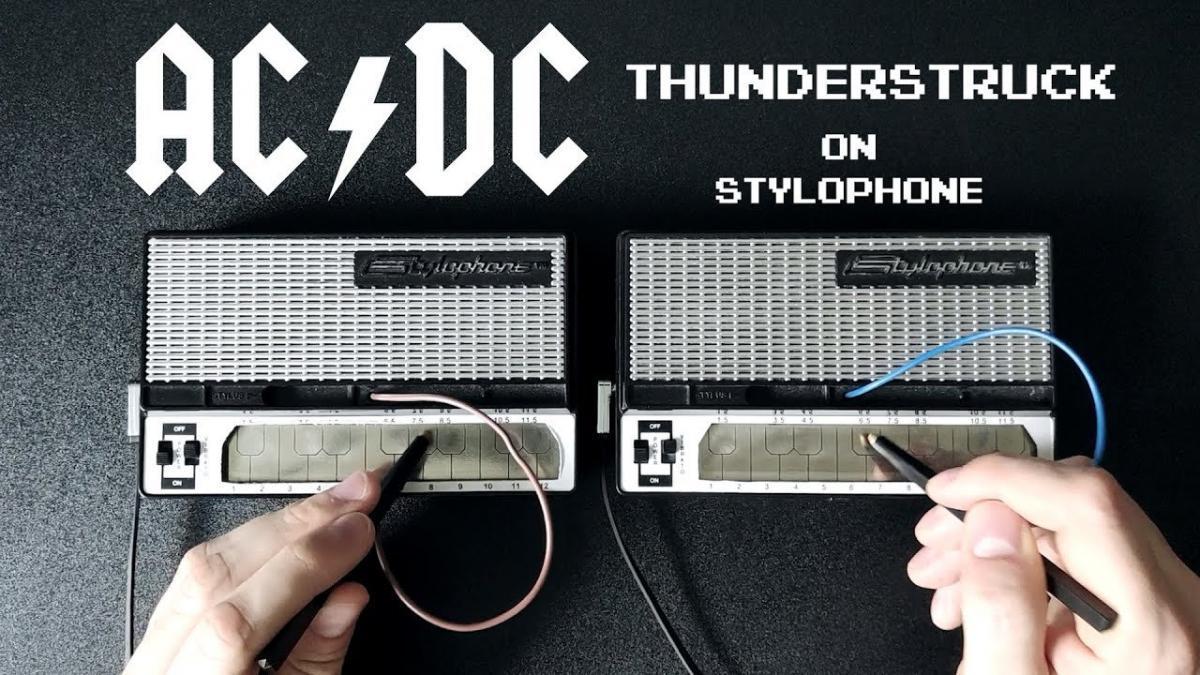 Thunderstruck de AC/DC interprété sur un stylophone