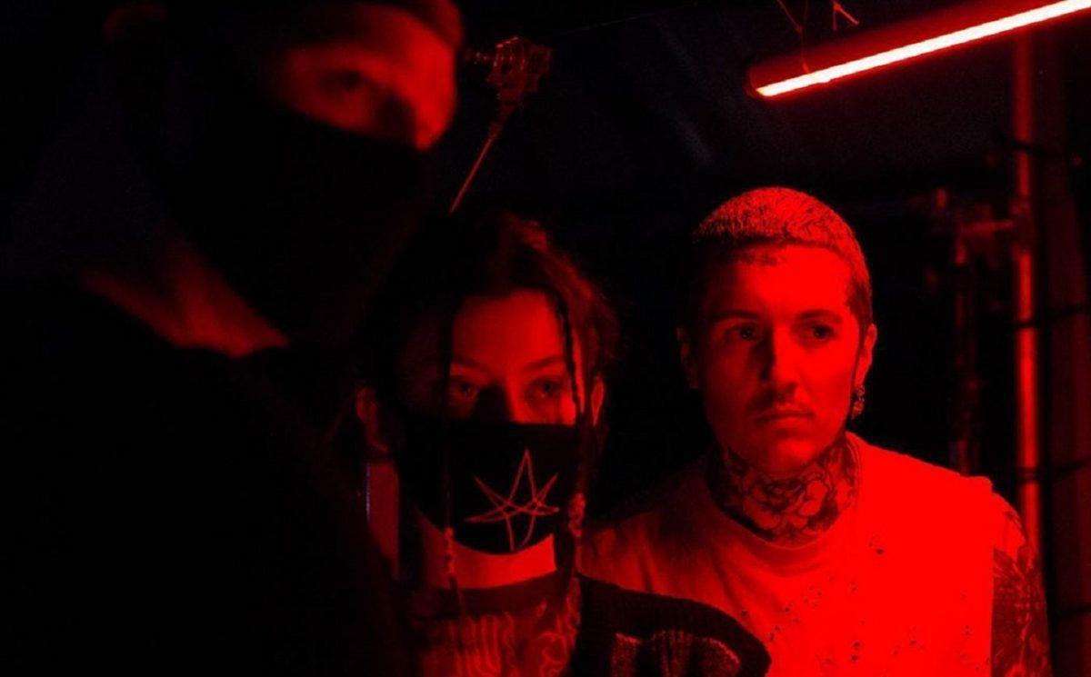 Bring Me The Horizon reporte la sortie de son nouveau single Parasite Eve