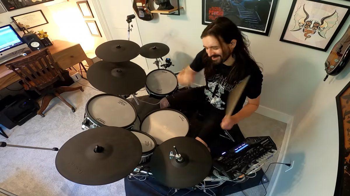 Regardez le batteur de Slipknot jouer sur une chanson de Youth Code !