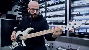 Regardez ces 10 bassistes Metal & Rock donner d'excellentes performances !