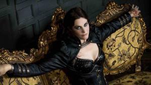 """Floor Jansen de Nightwish : """"Après 20 ans de Rock et de Metal, j'aimerais faire autre chose"""""""